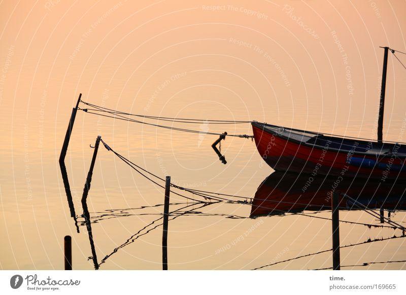 Neustädter Binnenhafen (I) gedeckte Farben Außenaufnahme Textfreiraum oben Dämmerung Sonnenaufgang Sonnenuntergang starke Tiefenschärfe Zentralperspektive Küste