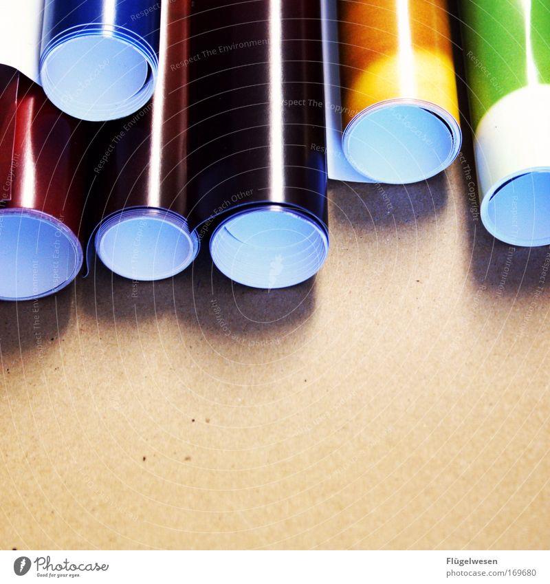 Plakate für den Weltfrieden Farbfoto Innenaufnahme Textfreiraum unten Lifestyle elegant Stil Design Freude Kunst Künstler Maler Kunstwerk Gemälde Papier machen