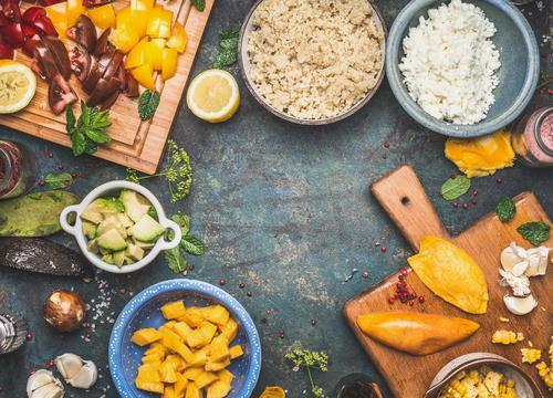 Quinoa Salat Zutaten Gesunde Ernährung Leben Stil Lebensmittel Design Häusliches Leben Tisch Kräuter & Gewürze Küche Gemüse Getreide Bioprodukte Geschirr