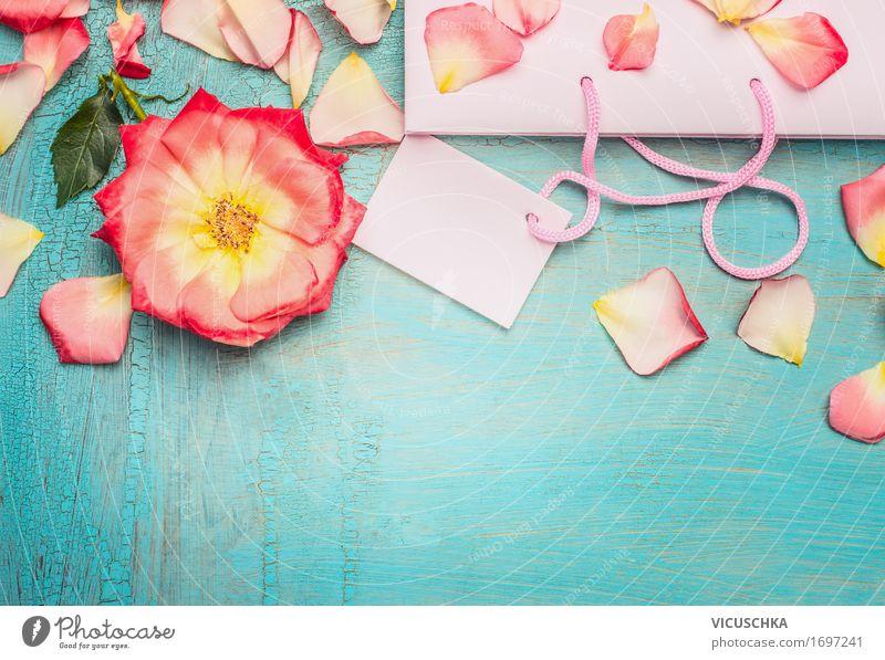 Shopping Tasche mit rosa Blumen und Blütenblatter Stil schön Sommer Valentinstag Natur Verpackung Dekoration & Verzierung modern Freude Handel schick Sale