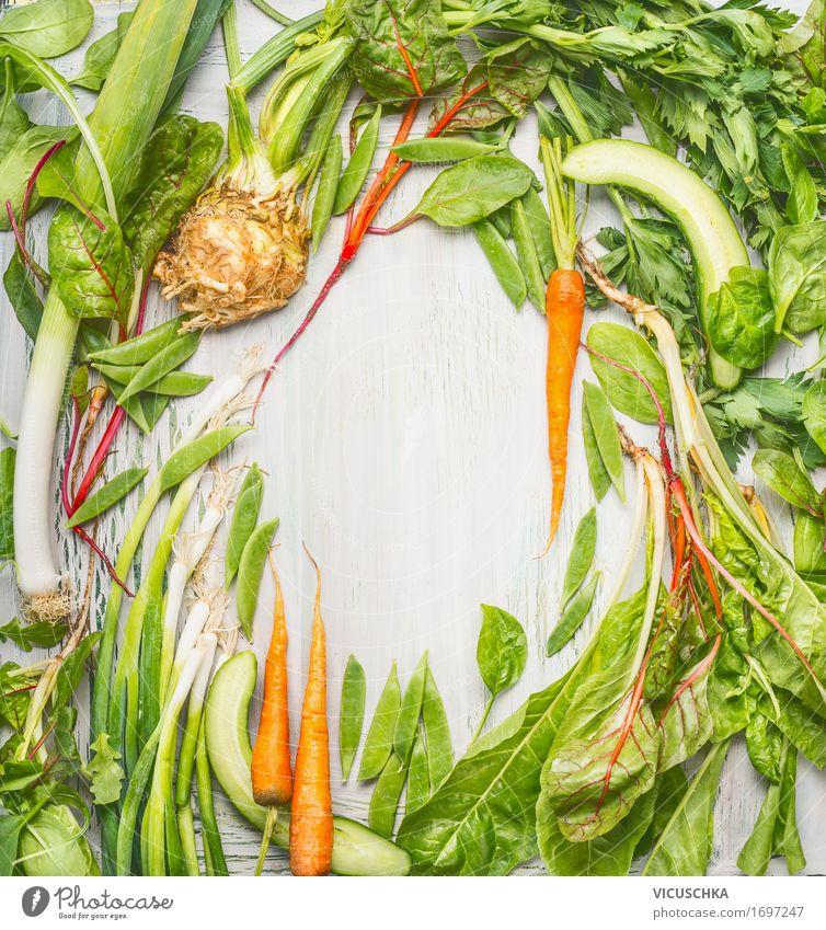 Frische grüne Gemüse und Wurzeln aus dem Garten Lebensmittel Ernährung Stil Design Gesunde Ernährung Natur Wurzelgemüse Vegetarische Ernährung Diät Sellerie