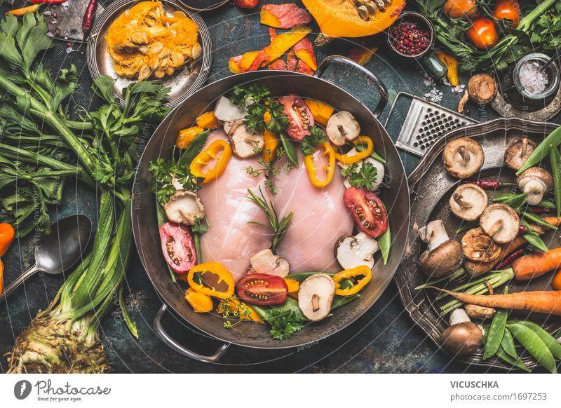 Hähnchenbrust mit Kürbis und Gemüse Zutaten Gesunde Ernährung Winter Speise gelb Leben Herbst Stil Lebensmittel Design Häusliches Leben Tisch Kräuter & Gewürze