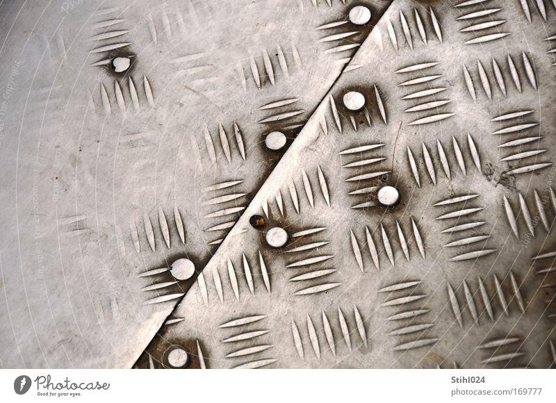Riffelblech weiß grau Metall Hintergrundbild Sicherheit trist Schutz Vergänglichkeit silber Zerstörung achtsam