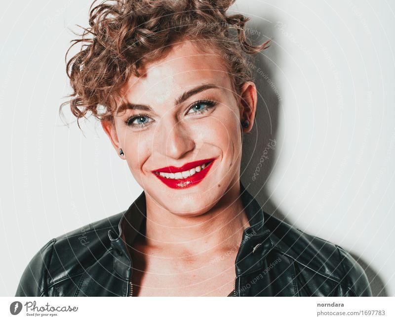 Lächeln des jungen Mannes Mensch Jugendliche Junger Mann 18-30 Jahre Gesicht Erwachsene Leben Gefühle feminin Mode Haare & Frisuren maskulin blond Erfolg