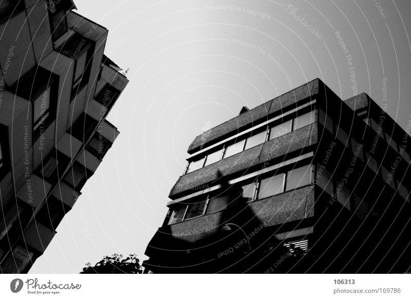 Fotonummer 123514 Himmel weiß Stadt Sonne Haus schwarz Arbeit & Erwerbstätigkeit Architektur Gebäude hell trist Häusliches Leben Bauwerk Langeweile eckig