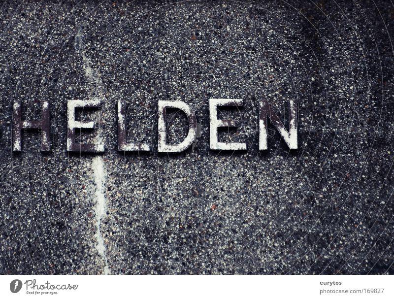 Helden alt Wand grau Stein Mauer Stimmung Fassade Schilder & Markierungen Beton Schriftzeichen Ziffern & Zahlen Bauwerk Zeichen Denkmal Krieg