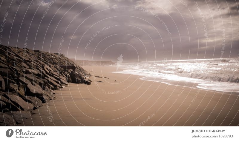 foggy beach Wasser Meer Einsamkeit Wolken ruhig Strand Ferne Herbst Küste Stein Sand Horizont Nebel Wellen Trauer Sehnsucht