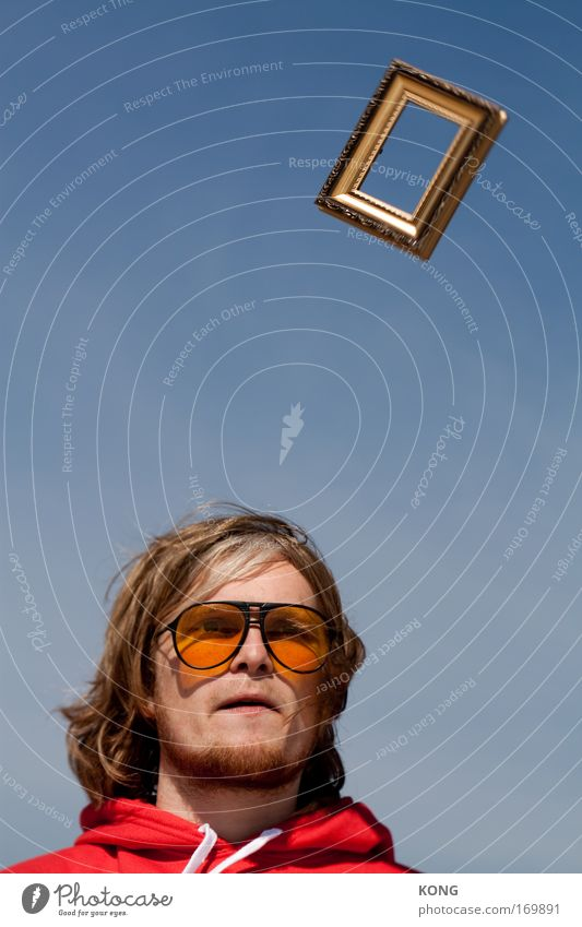 die idee Blick nach vorn Bilderrahmen Bildung Wissenschaften maskulin Kopf Kunstwerk Wolkenloser Himmel Sonnenbrille Denken Kommunizieren frei Unendlichkeit neu