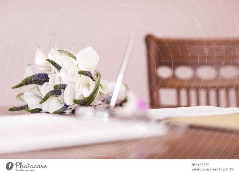 Hochzeitsblumenstrauß von weißen Blumen Frau Natur schön Hand Erwachsene Blüte Liebe Glück Feste & Feiern frisch Dekoration & Verzierung elegant Fröhlichkeit