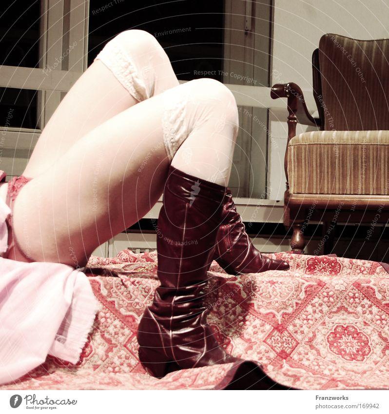 Schinken. Mensch ruhig Erwachsene feminin Beine Fuß 18-30 Jahre Frau Junge Frau