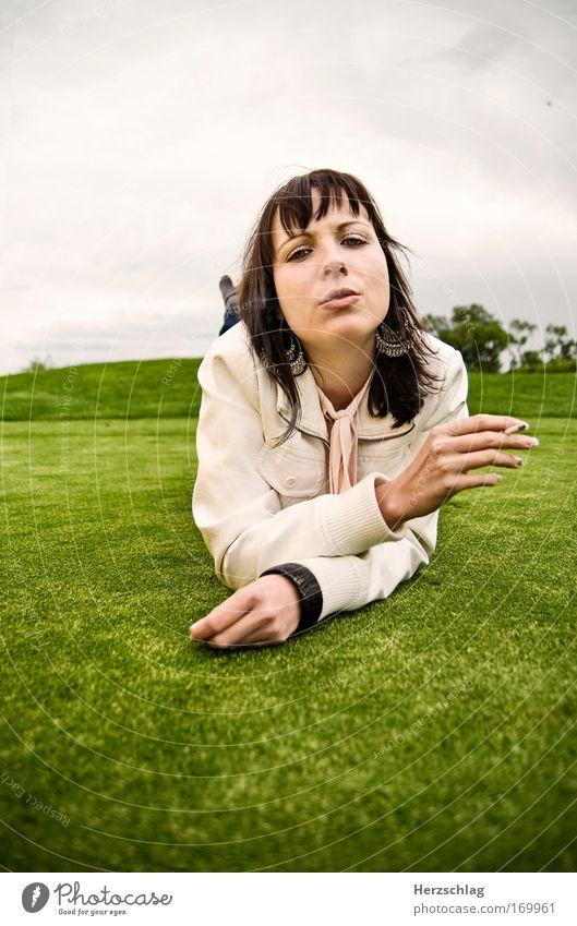 Green Smoke Frau Jugendliche grün Erwachsene feminin Stil Traurigkeit blond frisch ästhetisch einzigartig Rauchen nah genießen Rauch Gesellschaft (Soziologie)