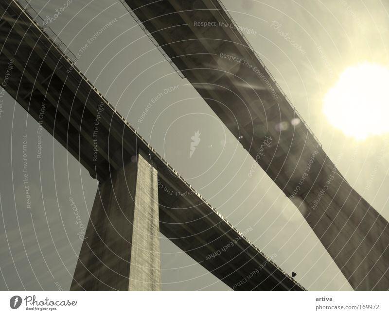 Brücke Farbfoto Außenaufnahme Detailaufnahme Experiment abstrakt Menschenleer Hintergrund neutral Morgen Tag Licht Schatten Kontrast Panorama (Aussicht) Verkehr