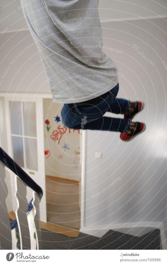 Wegspringen Mensch Kind Mann Jugendliche weiß Erwachsene Leben Junge Bewegung grau Beine Fuß Rücken elegant Energiewirtschaft