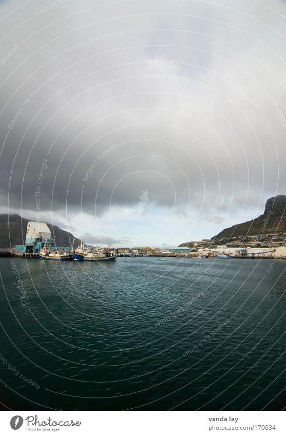 Es wird bald regnen Farbfoto Außenaufnahme Menschenleer Textfreiraum oben Textfreiraum unten Tag Totale Weitwinkel Natur Landschaft Wasser Himmel Wolken