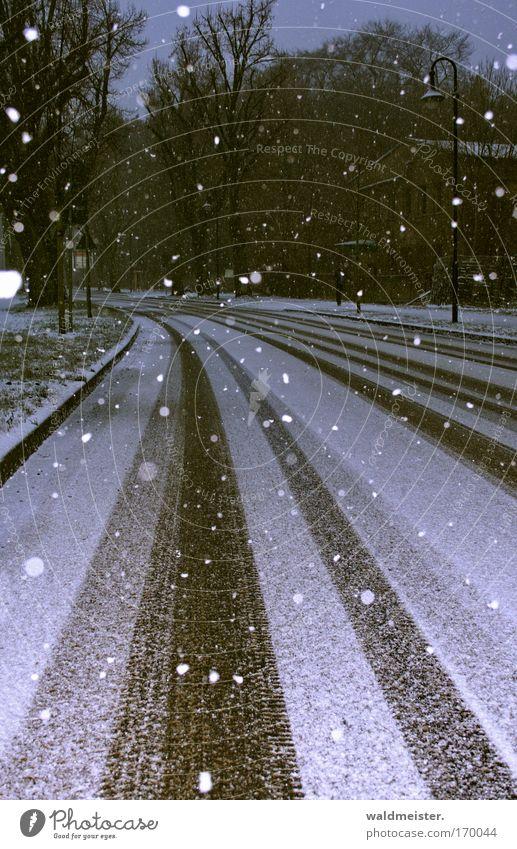 Vorfreude Winter kalt Schneefall Straßenverkehr Glätte