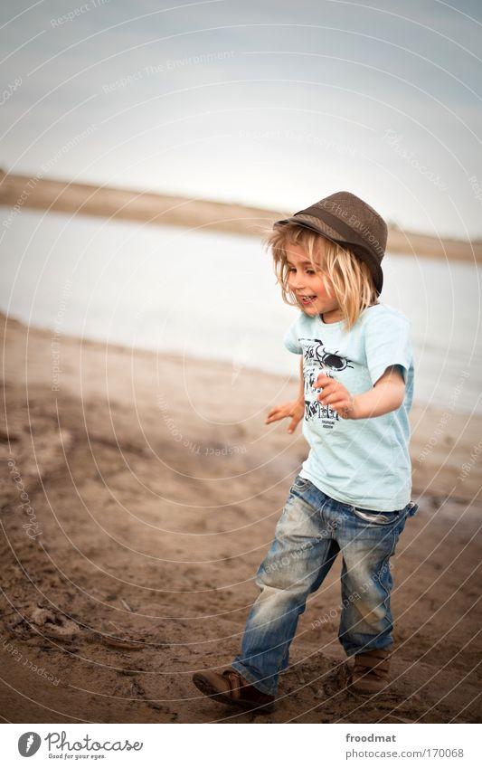 dreckspatz Mensch Kind Freude Leben Spielen lachen klein Glück Kindheit Freizeit & Hobby natürlich maskulin rennen authentisch Coolness T-Shirt