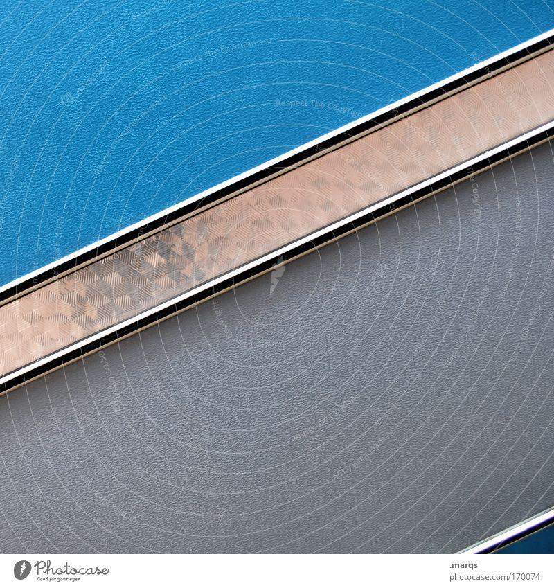 Graublauschräg Farbfoto Textfreiraum oben Textfreiraum unten Lifestyle elegant Stil Design Fassade Verkehrsmittel Wohnwagen Metall Kunststoff Linie Streifen