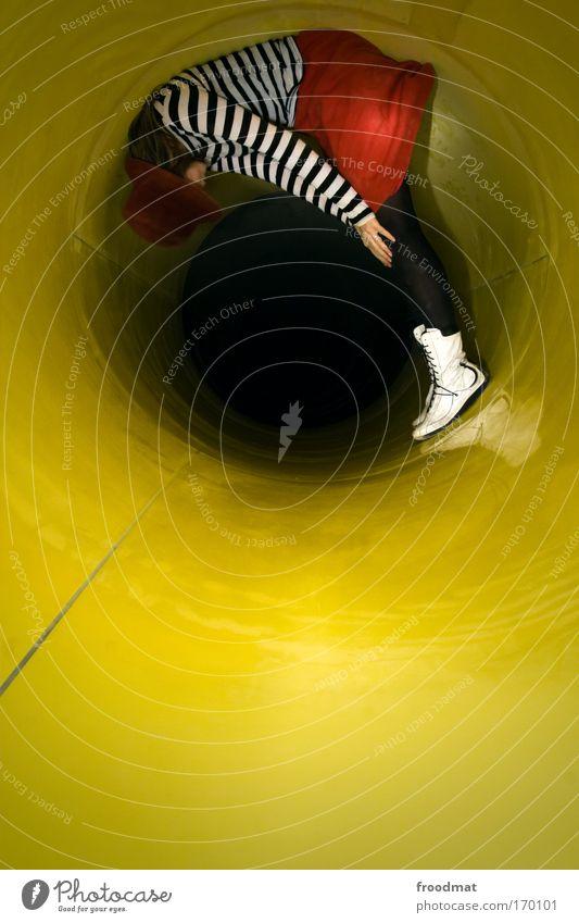 ro(h)rschach test Frau Mensch Jugendliche gelb dunkel feminin blond Erwachsene retro rund stehen liegen Rock Tunnel Hut Röhren
