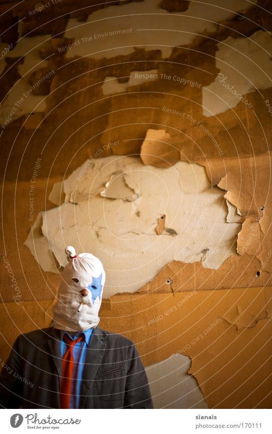 anonymer nikoholiker Mensch Mann alt Erwachsene Wand Mauer orange Beton maskulin verrückt Stern (Symbol) Coolness Rauchen 18-30 Jahre Maske verfallen