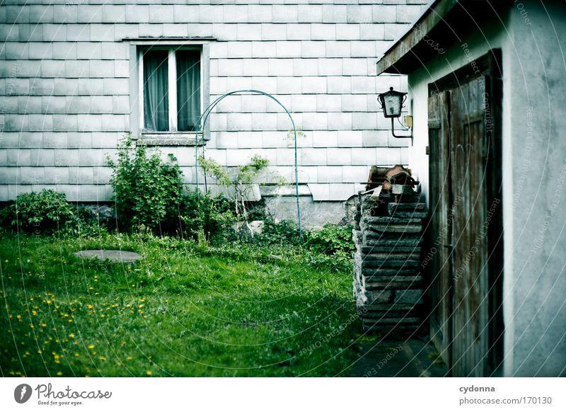 Nüscht los. Natur Einsamkeit Haus Umwelt Fenster Leben Wiese Gefühle Architektur Garten Traurigkeit träumen Zeit ästhetisch Häusliches Leben Zukunft
