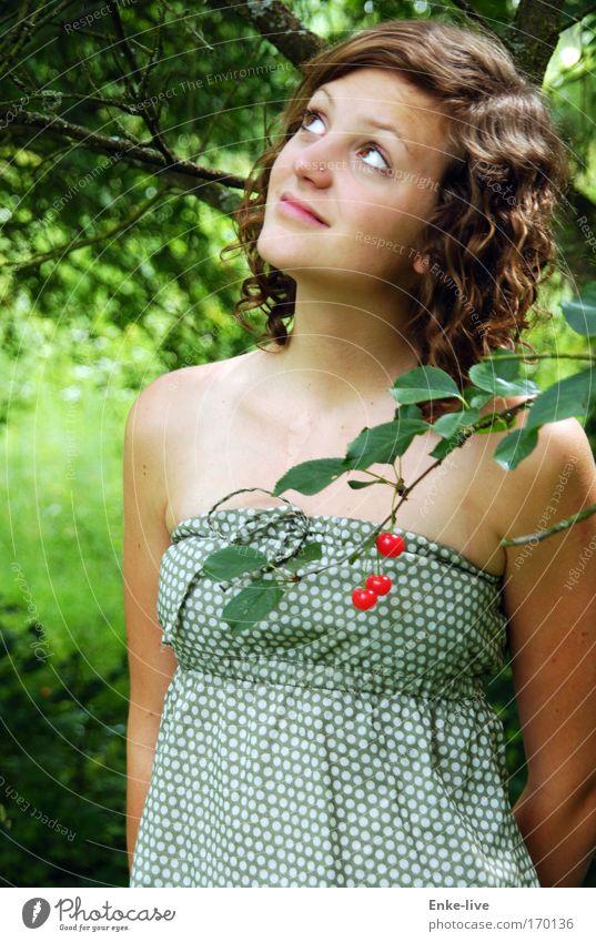 cherry-lady Mensch Natur Jugendliche Baum schön Sommer feminin Haare & Frisuren Garten Denken träumen Frau Gesundheit elegant warten außergewöhnlich