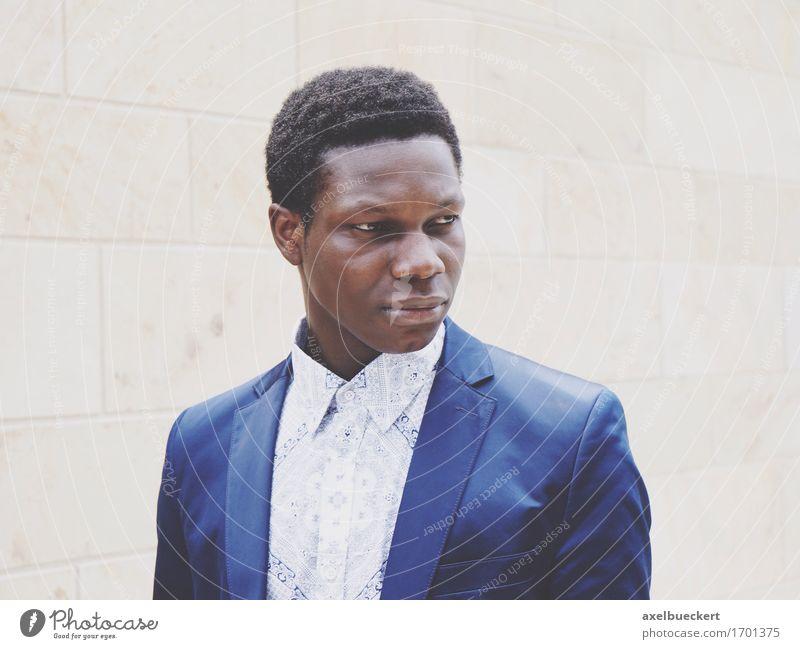 Model: Felix Klundt Mensch Jugendliche Mann Junger Mann 18-30 Jahre schwarz Erwachsene Gefühle Lifestyle Stil Mode maskulin nachdenklich elegant Jacke Hemd