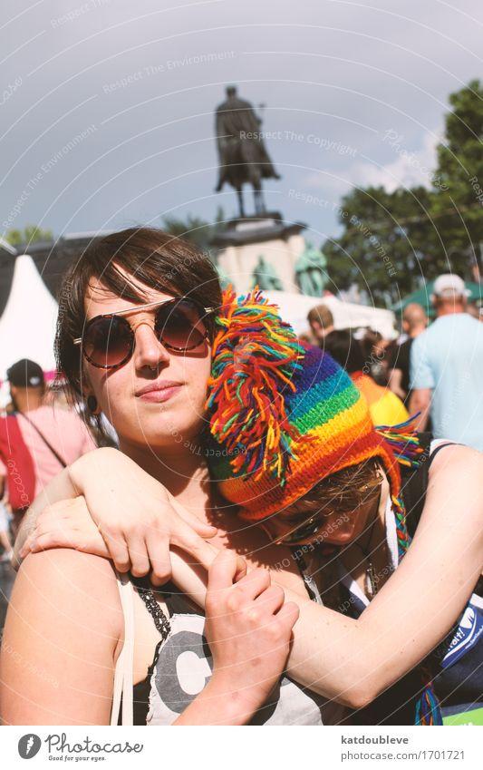 gay day 3 feminin Homosexualität Lächeln Liebe Akzeptanz Vertrauen Sicherheit Geborgenheit Verliebtheit Toleranz Hoffnung Bewegung Partnerschaft Fortschritt