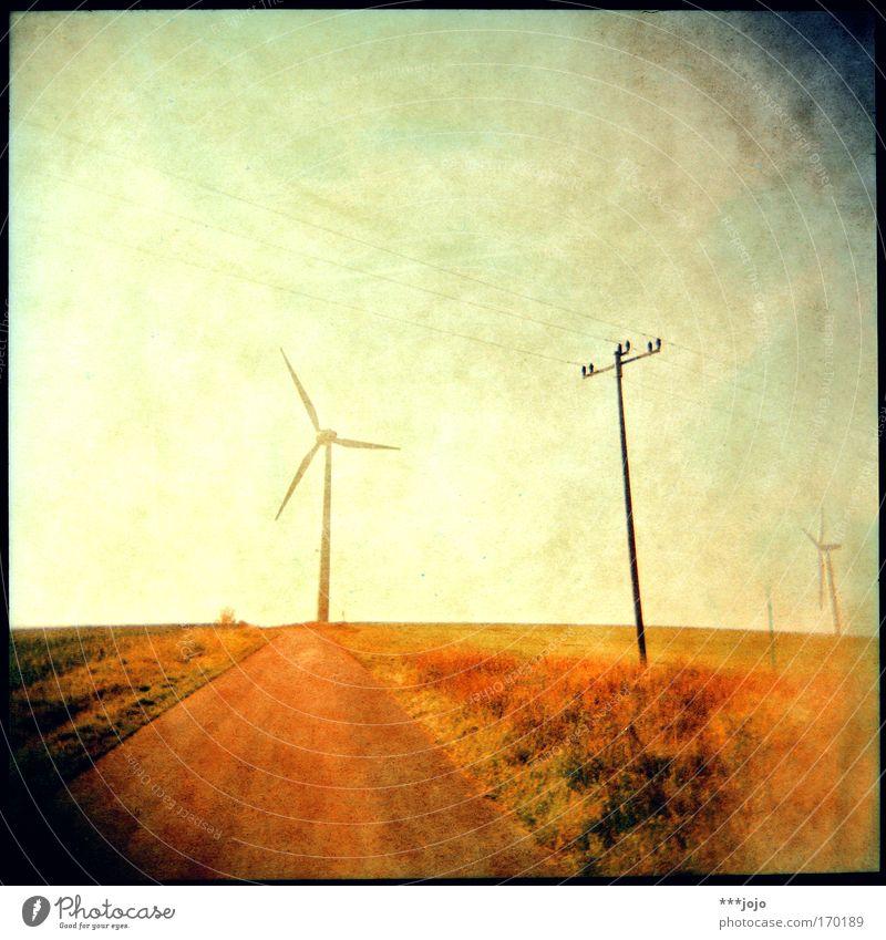 lux II. gelb Holga Lomografie Bewegung Wege & Pfade Wärme Landschaft hell Feld Wind Kraft Energiewirtschaft Elektrizität retro Ecke heiß