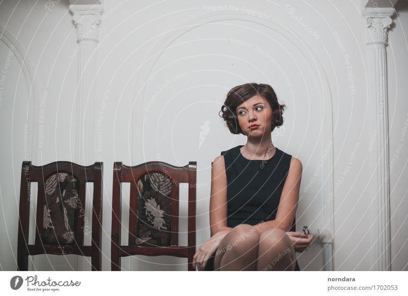 träumendes Mädchen Stil schön Haare & Frisuren Gesicht Kosmetik Parfum Schminke Lippenstift Rouge Sinnesorgane Wohnung Dekoration & Verzierung Sessel Stuhl