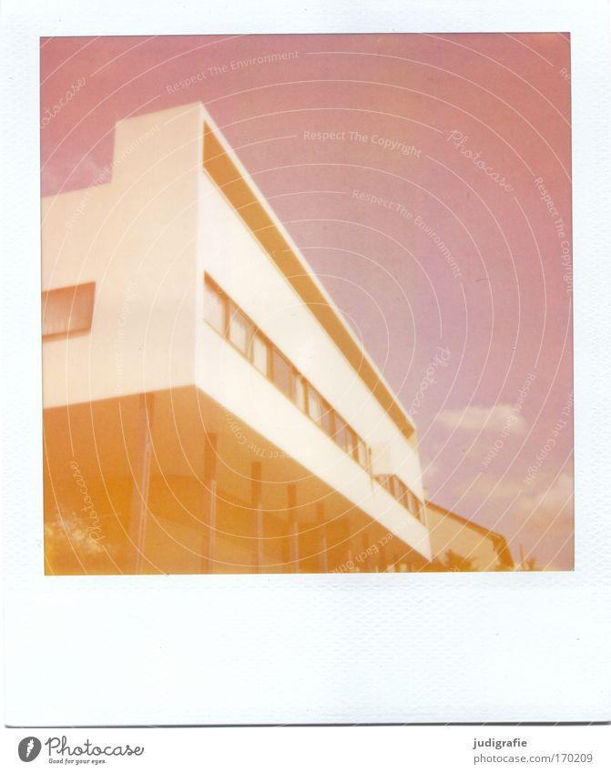 Neues Bauen Farbfoto Gedeckte Farben Außenaufnahme Experiment Polaroid Menschenleer Tag Design Häusliches Leben Wohnung Haus Traumhaus Stuttgart Bauwerk
