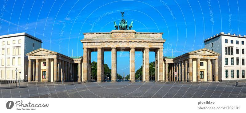 Brandenburger Tor Berlin Deutschland Stadt Hauptstadt Stadtzentrum Menschenleer Platz Bauwerk Gebäude Architektur Sehenswürdigkeit Wahrzeichen Denkmal alt
