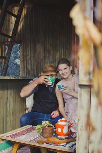 Mensch Frau Jugendliche Mann Junge Frau Junger Mann Erholung ruhig Erwachsene Herbst Familie & Verwandtschaft Glück Garten Feste & Feiern Paar Freundschaft