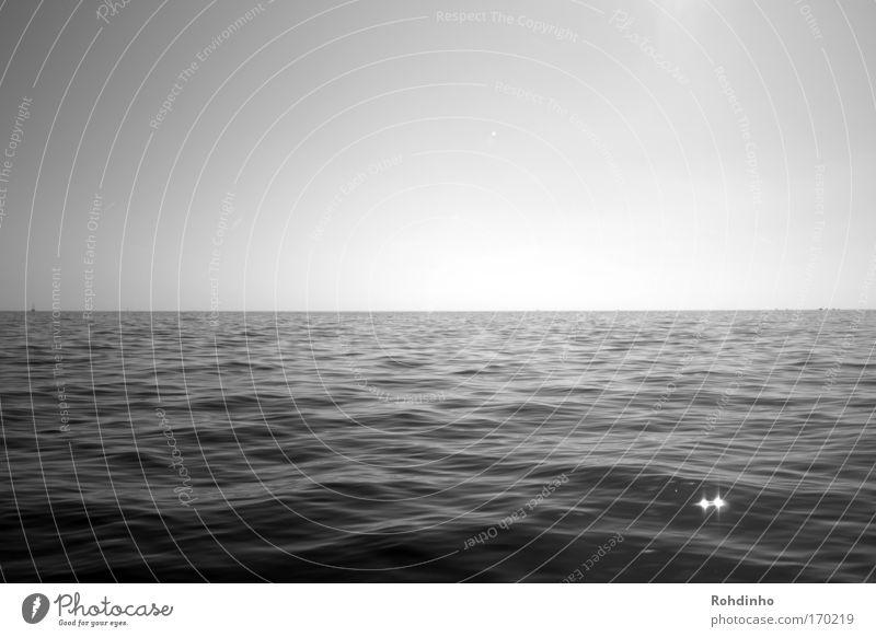 und wenn die Erde doch eine Scheibe ist.... Himmel Natur Wasser Sonne Sommer Ferien & Urlaub & Reisen Meer ruhig Ferne Erholung Freiheit Wellen Horizont Ausflug groß Tourismus