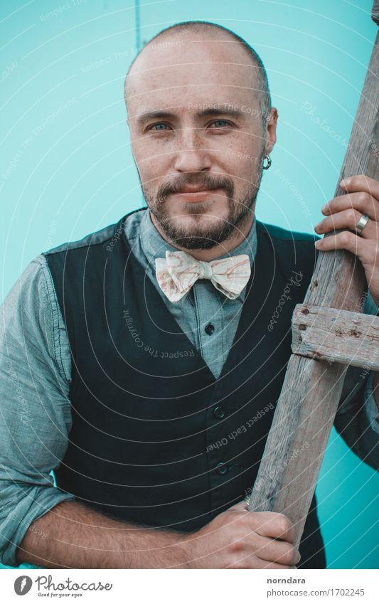 Porträt des Mannes Jugendliche ruhig 18-30 Jahre Erwachsene Lifestyle Stil Mode Haare & Frisuren maskulin ästhetisch Haut Freundlichkeit Bart Hemd Glatze