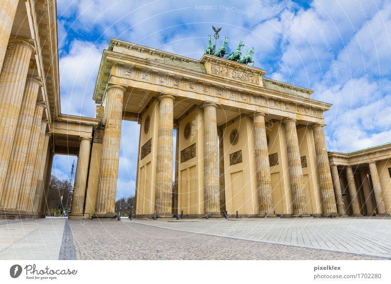 Brandenburger Tor Berlin Deutschland Stadt Hauptstadt Stadtzentrum Platz Bauwerk Gebäude Architektur Säule Sehenswürdigkeit Wahrzeichen Denkmal Quadriga alt