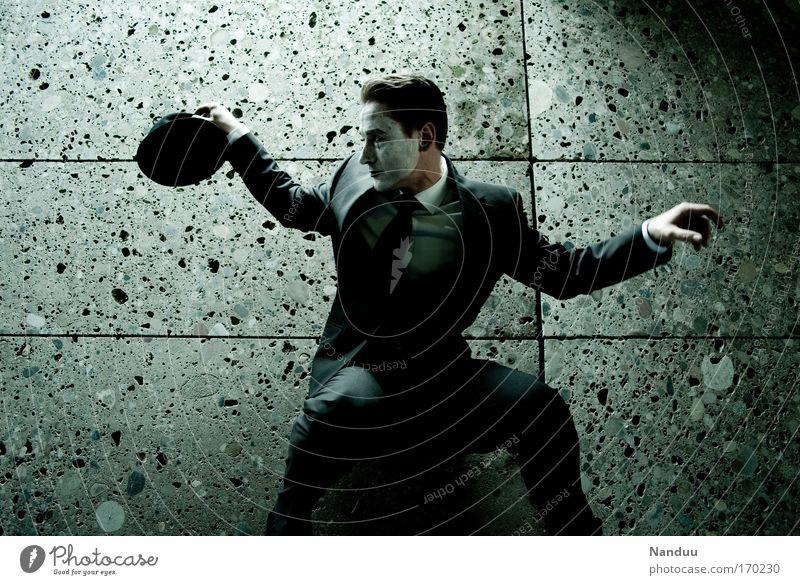 Joker Mensch Mann Einsamkeit ruhig Erwachsene dunkel Wand Gefühle Bewegung Mauer Stil Kunst Stimmung Tanzen elegant maskulin