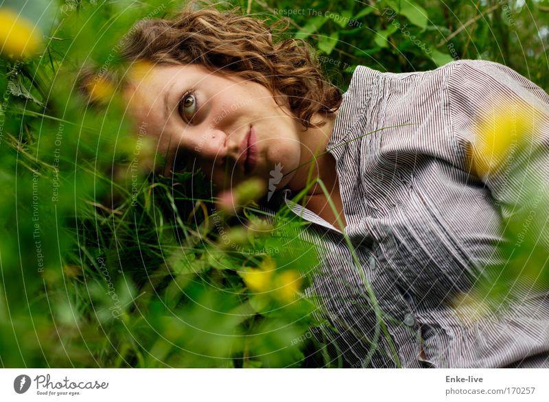 think about... something special Natur Jugendliche grün schön Pflanze Sommer Gesicht feminin Freiheit Garten Traurigkeit Denken Gesundheit authentisch