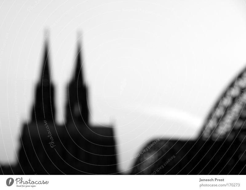 Kölner Dom weiß Stadt ruhig schwarz Religion & Glaube Architektur Deutschland groß Europa Brücke Kirche Köln Bauwerk Wahrzeichen Glaube