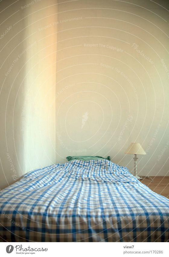 Nachtlager schön weiß blau Ferien & Urlaub & Reisen ruhig Lampe Glück Wohnung Design ästhetisch Ecke Bett einfach Dekoration & Verzierung Sauberkeit einzigartig