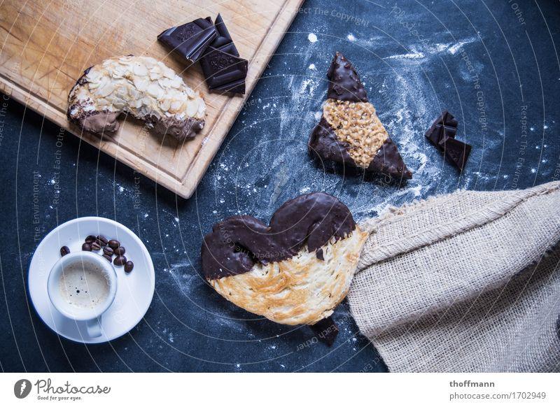 Süßer Bäcker Bäckerei Konditorei Schweineohr Nuss Marzipan Kaffee Kaffeebohnen Espresso Holzbrett Schneidebrett Tasse Untertasse Textilien Jutesack Stoff Mehl