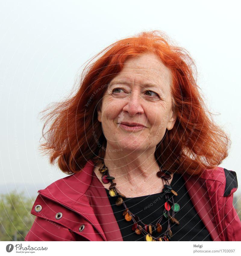 AST 7 | verschmitzt... Mensch Frau schön rot schwarz Gesicht Erwachsene Leben natürlich feminin Haare & Frisuren Kopf Zufriedenheit ästhetisch authentisch