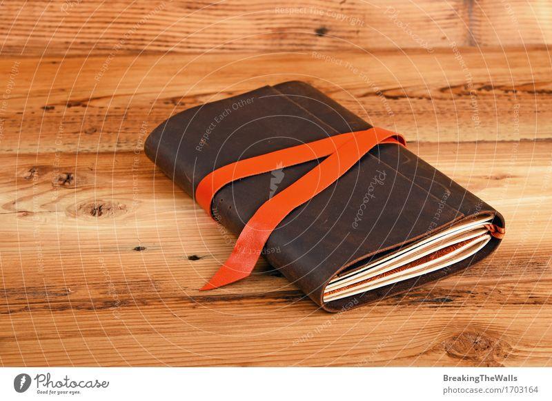 Einsamkeit natürlich Lifestyle Holz Kunst braun träumen retro Tisch Idee Buch einzigartig Papier trendy Nostalgie Leder