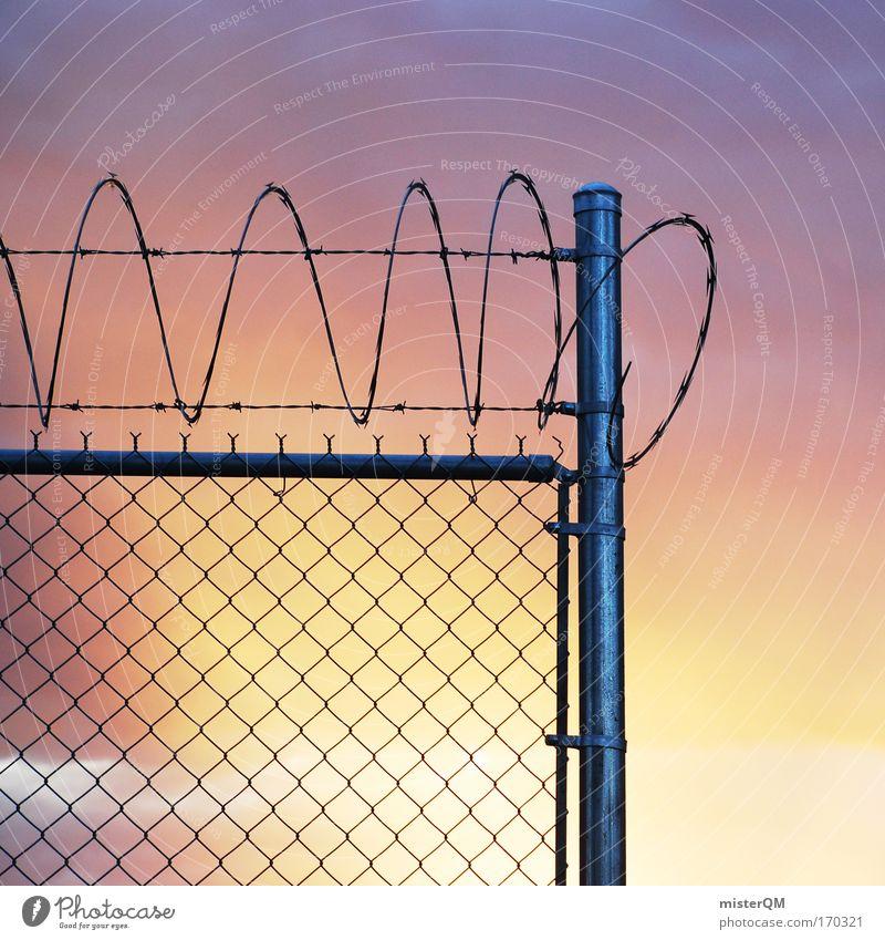 Knast Idylle. Metall bedrohlich gefangen Justizvollzugsanstalt Stacheldrahtzaun Alcatraz Sonnenuntergang diffus Himmel Freiheit rehabilitatieren Guantanamo frei