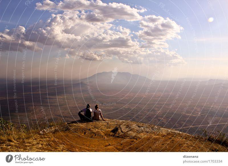 Usambara Mountains I Mensch Ferien & Urlaub & Reisen Jugendliche Sommer Junge Frau Landschaft Junger Mann Erholung Wolken Ferne Berge u. Gebirge Denken Freiheit