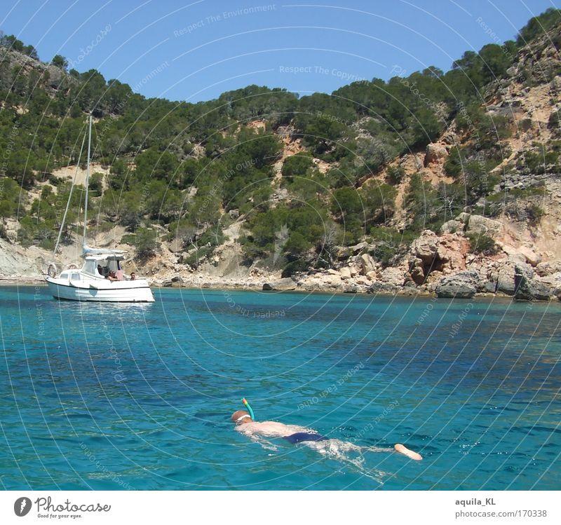 Für alle die arbeiten müssen Mensch Himmel Wasser blau Meer Felsen Schwimmen & Baden maskulin Insel Spanien tauchen Schönes Wetter Mallorca Urlaubsstimmung Urlaubsfoto