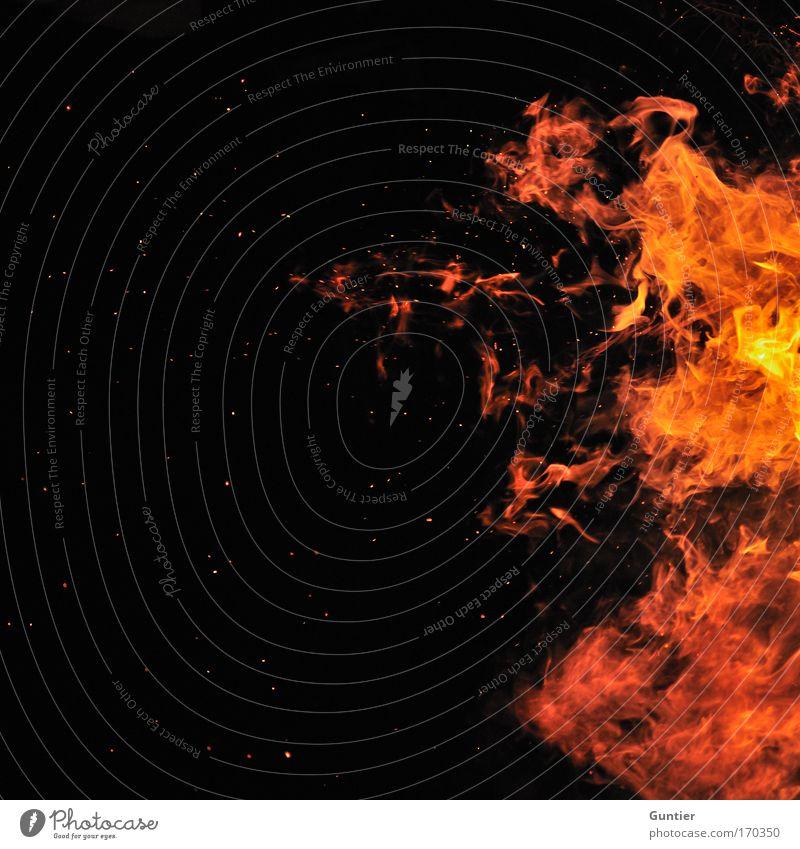 In the Heat of the Night Natur rot schwarz gelb Wärme Angst Stern Brand Feuer gefährlich bedrohlich Nachthimmel heiß Grillen brennen Urelemente