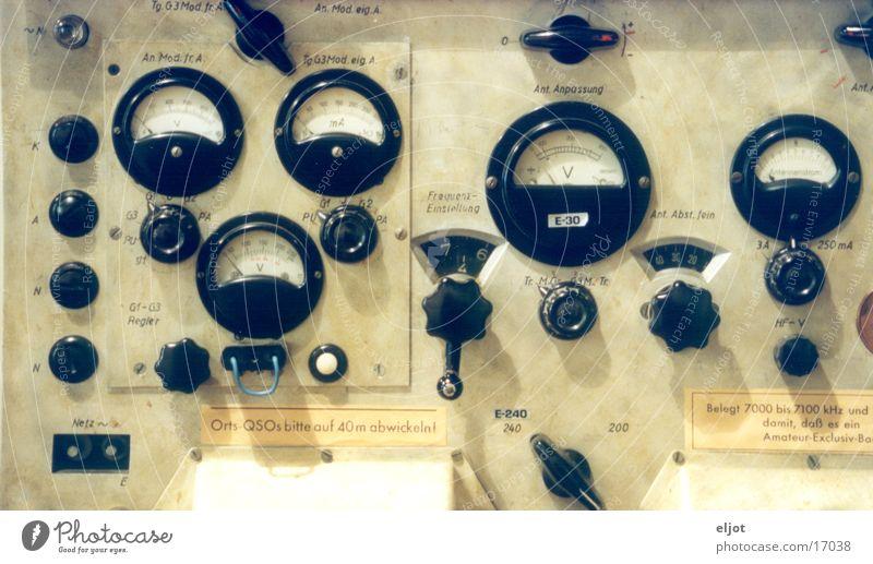 Schalttafel Telekommunikation historisch Radio Anzeige Spielkonsole Schaltpult Drehschalter