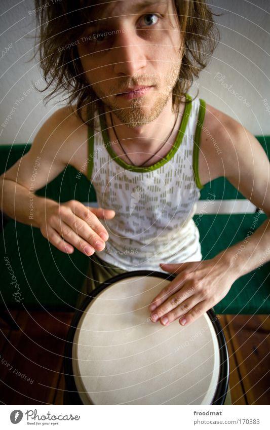 Bingo Bongo Mensch Mann Jugendliche Freude Spielen Bewegung Musik Kunst Erwachsene maskulin verrückt Kommunizieren authentisch Kultur Trommel