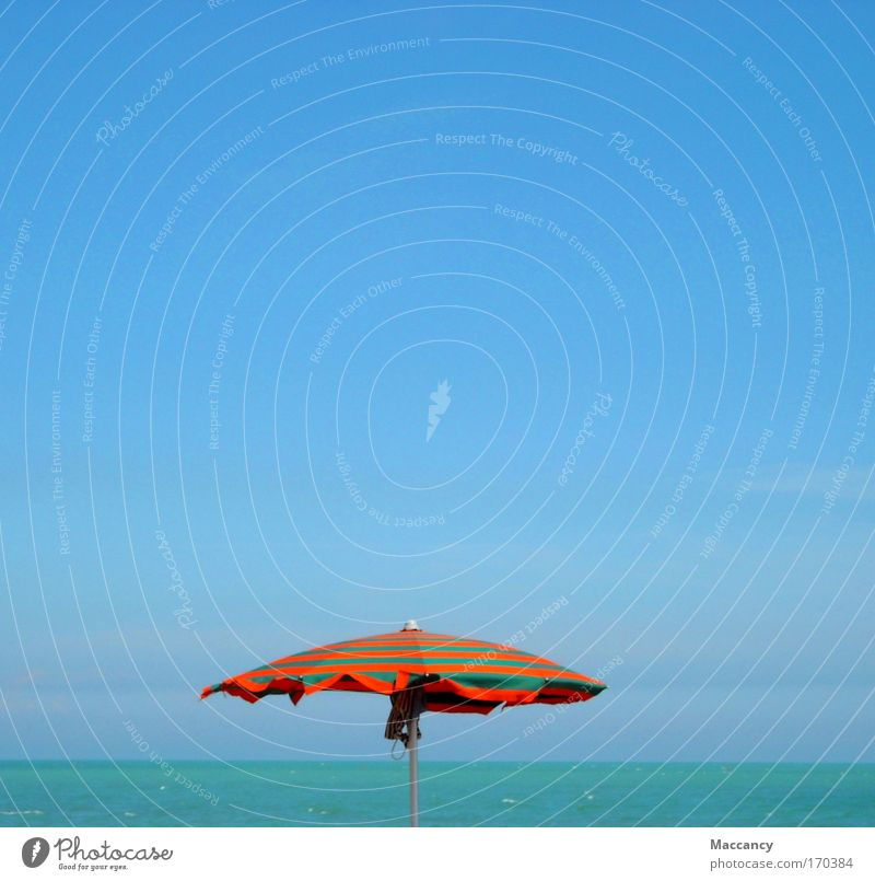 Auch am Meer kann es mal regnen! Wasser Meer Sommer Freude Strand Ferien & Urlaub & Reisen ruhig Ferne Farbe Leben Erholung Denken Sand Wärme Zufriedenheit
