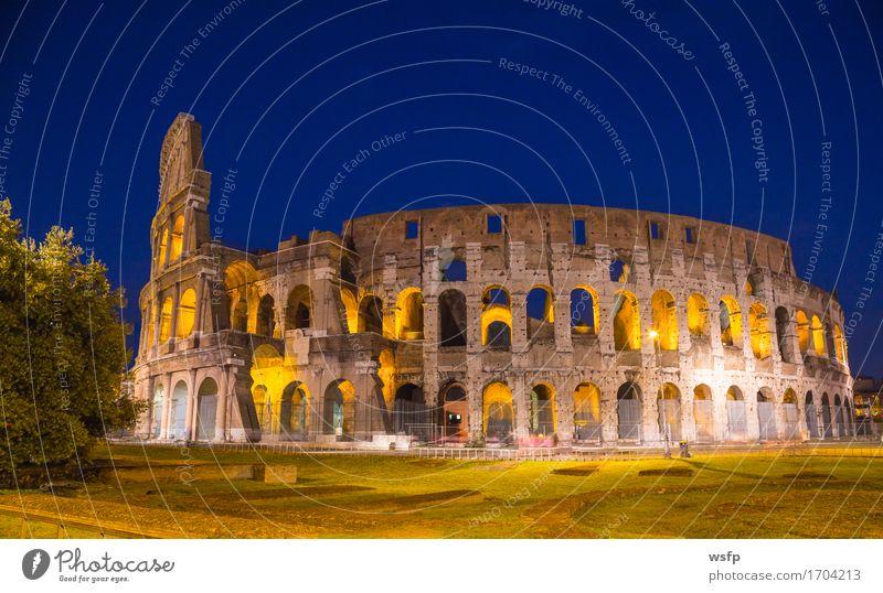 Kolosseum bei Nacht in Rom Architektur Beleuchtung Tourismus Italien historisch Burg oder Schloss Amphitheater